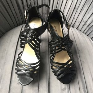 Madden Girl Size 10 Black 4 inch heels
